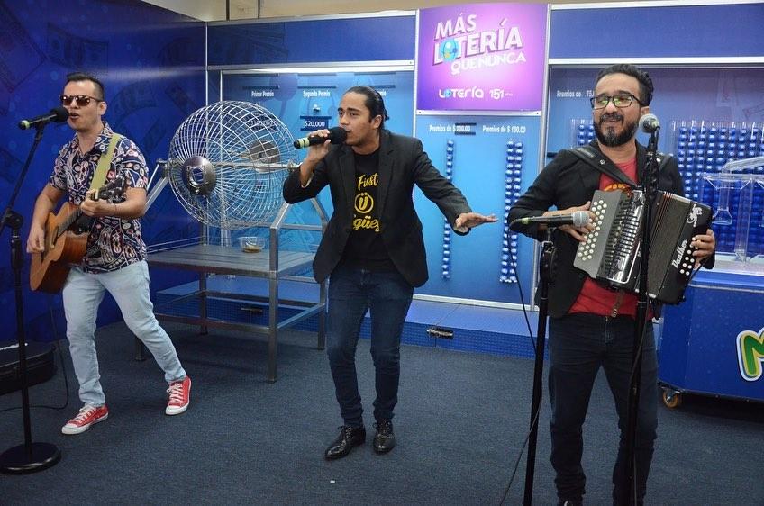 El evento del sorteo se llevó a cabo al ritmo de la música y mezclas latinas de los grandes éxitos de Frigüey, en el Salón de Usos Múltiples de la Lotería Nacional y se transmitió en vivo a través de Radio El Salvador 96.9 FM, Facebook Live, YouTube y la página web: www.lnb.gob.sv,